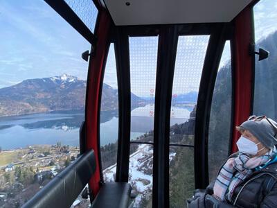 In der Panoramabahn auf das Zwölferhorn